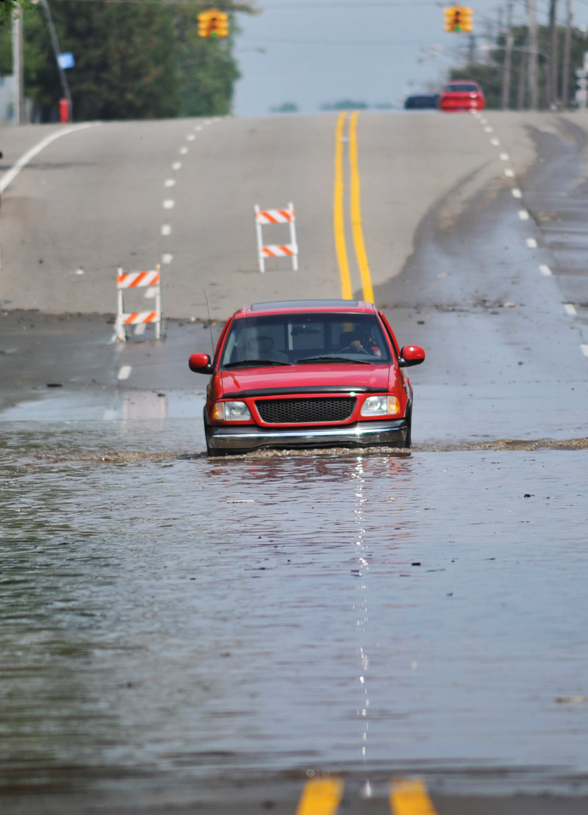 truck-crossing-flooded-street.jpg